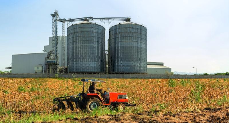 um dos grandes desafios de produtores cerealistas, e empresas envolvidas neste segmento de comércio alimentício, é o controle de pragas em áreas de grãos armazenados.